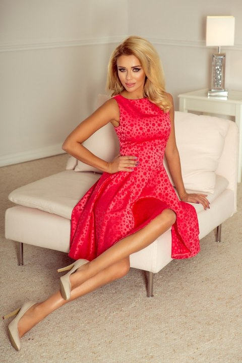 8799056afb 175-2 Wyjątkowa sukienka z dłuższym tyłem - żakard kółeczka MALINA